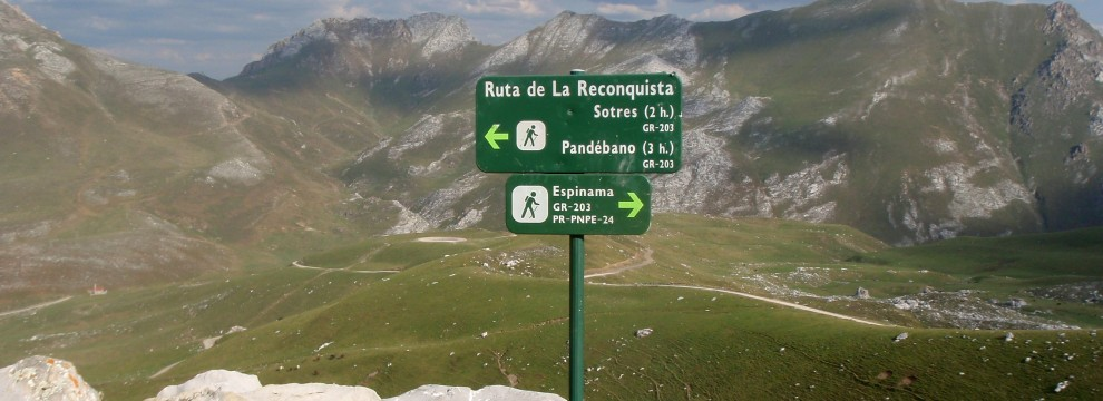 Typical route signs in the Picos de Europa