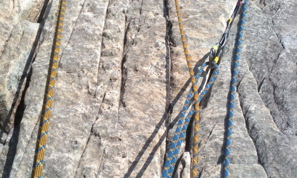 Teaching Multi-pitch rock climbing there is no need to add slings in a lot of straight forward belays