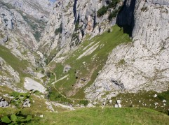 Trail from Bulnes to Poncebos
