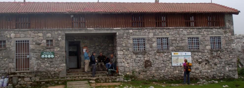 Refugio Vegarredonde - Western Massif