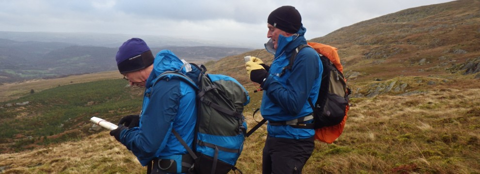 Planning the next navigation leg with contour interpretation