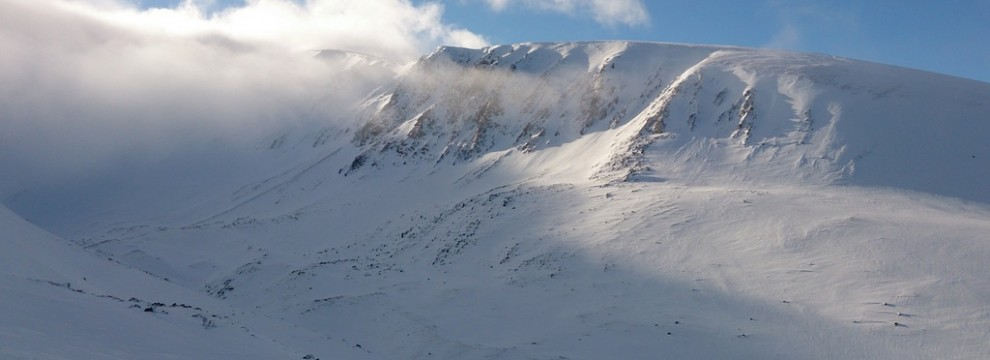 A Stunning day in the Cairngorm with the mist starting to clear.
