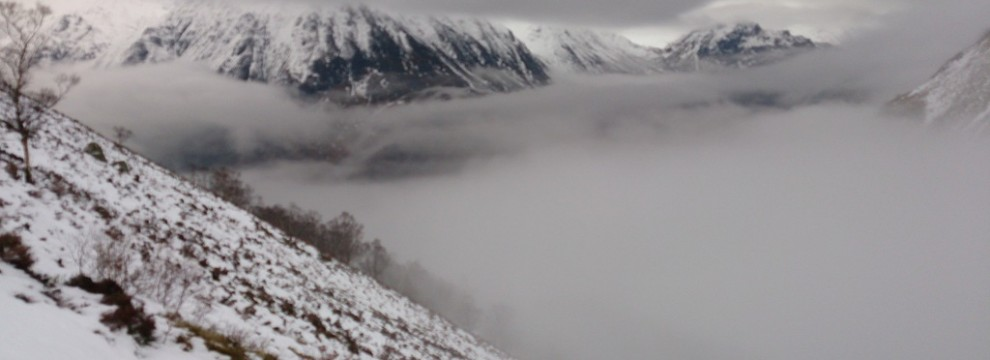 The cloud trapped in the Lairig Ghur