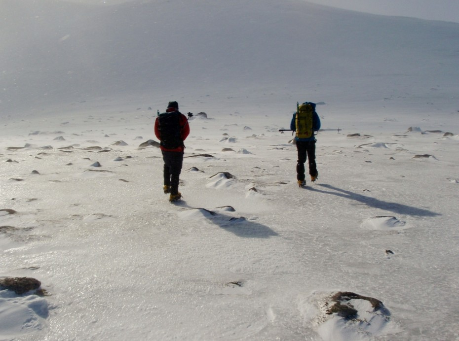 Walking in a bearing is difficult  in high winds with spin drift all around you
