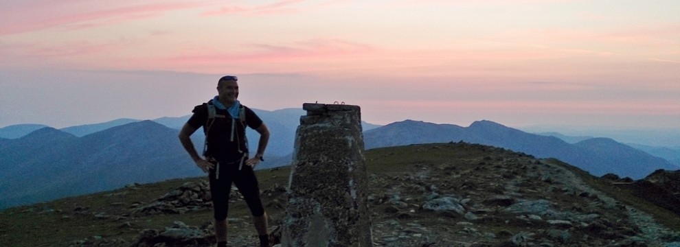 Welsh 3000s reaching Carnedd Ugain at sunrise