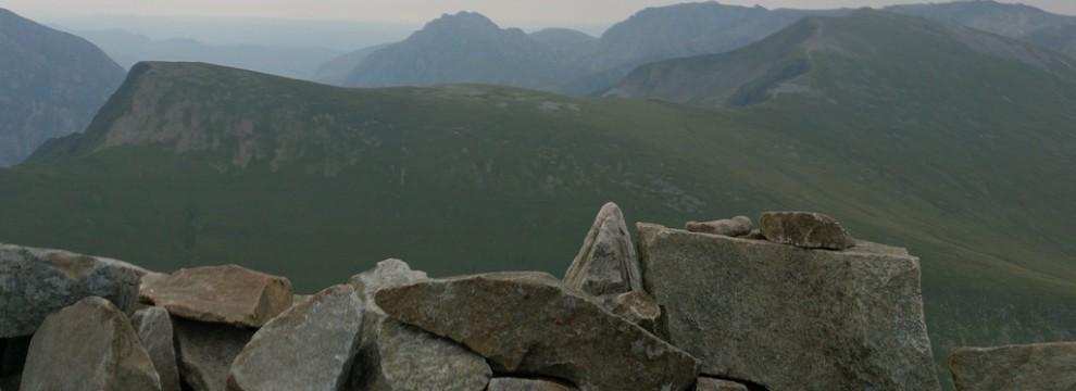 Welsh 3000s: Views from Elidir Fawr A Misty morning