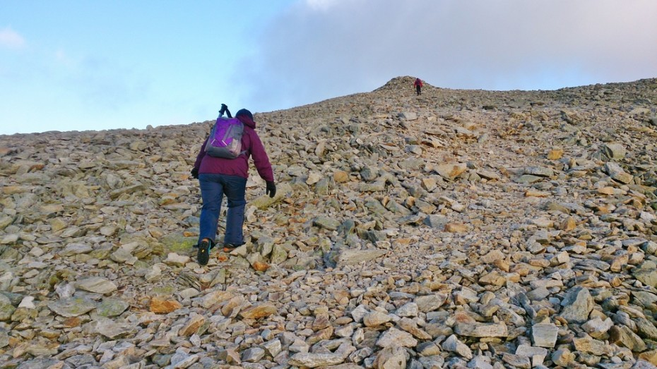 Lindsey pushing to the summit of Carnedd Dafydd