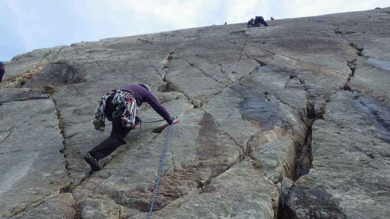 Placing gear on route while leading on a multi pitch rock climbing route