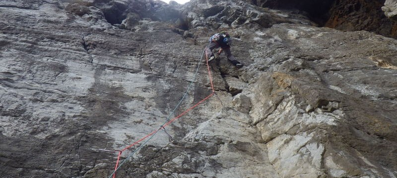 Rock climbing in Pembroke The Hole (Direct Start) E1 5c Trevallen Cliff