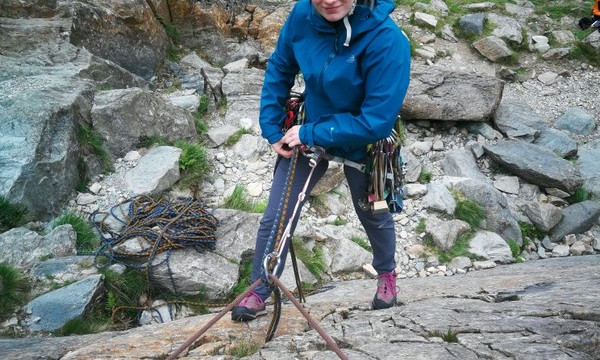 Multi pitch rock climbing escaping from a climb leaving  minimum amount of gear